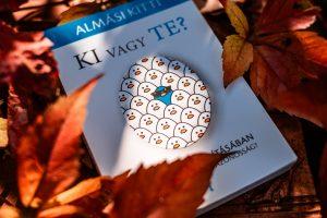 Almási Kitti Ki vagy Te? könyvajánló Impulzív Magazin